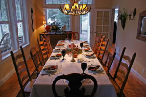 thanksgiving-table-1443940